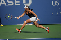 American Caroline Dolehide takes on Marie Bouzkova in the Semifinals of Juniors at the 2014 US Open