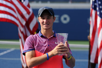 Omar Jasika defeats Quentin Halys to win the Junior Boys' Singles Championship at the 2014 US Open.
