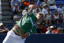 Sam Querrey serving on Day 2 of the 2014 US Open.